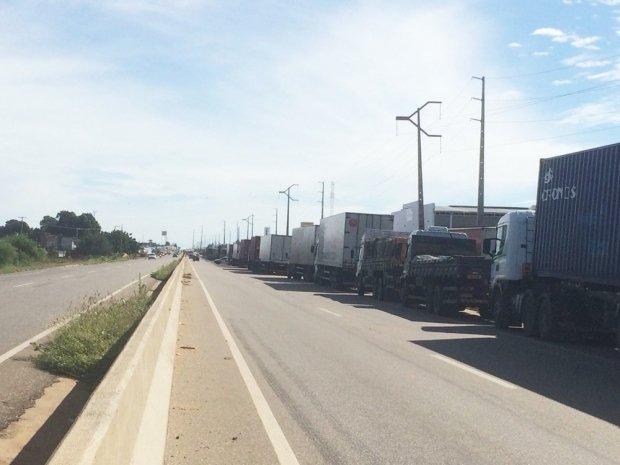 Governo obtém 23 liminares contra obstrução de rodovias; policiais rodoviários federais dizem que não desbloqueiam por não ter havido bloqueio 'total'