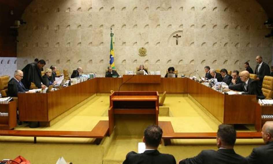 STF aprova restrição do foro privilegiado para deputados e senadores