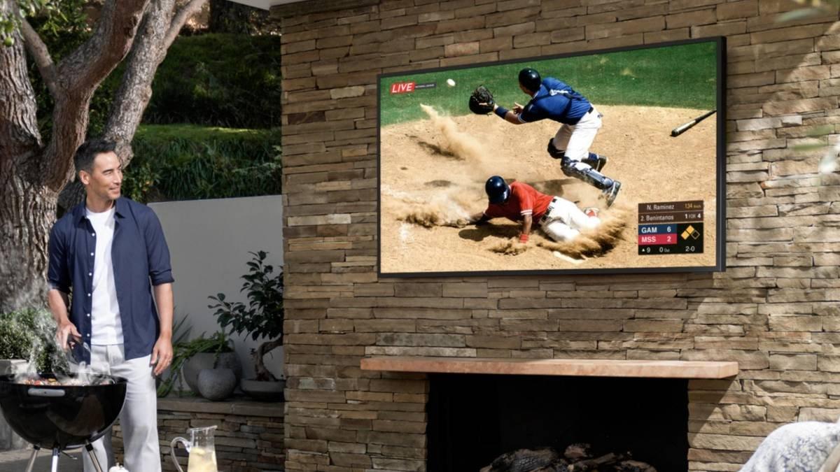 Samsung anuncia TV feita para ser colocada no quintal de casa