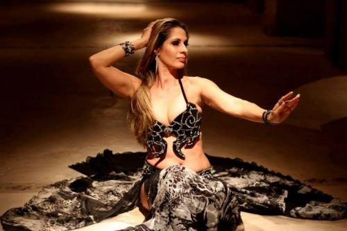 Criada por mulheres há milênios, dança do ventre quebra preconceitos