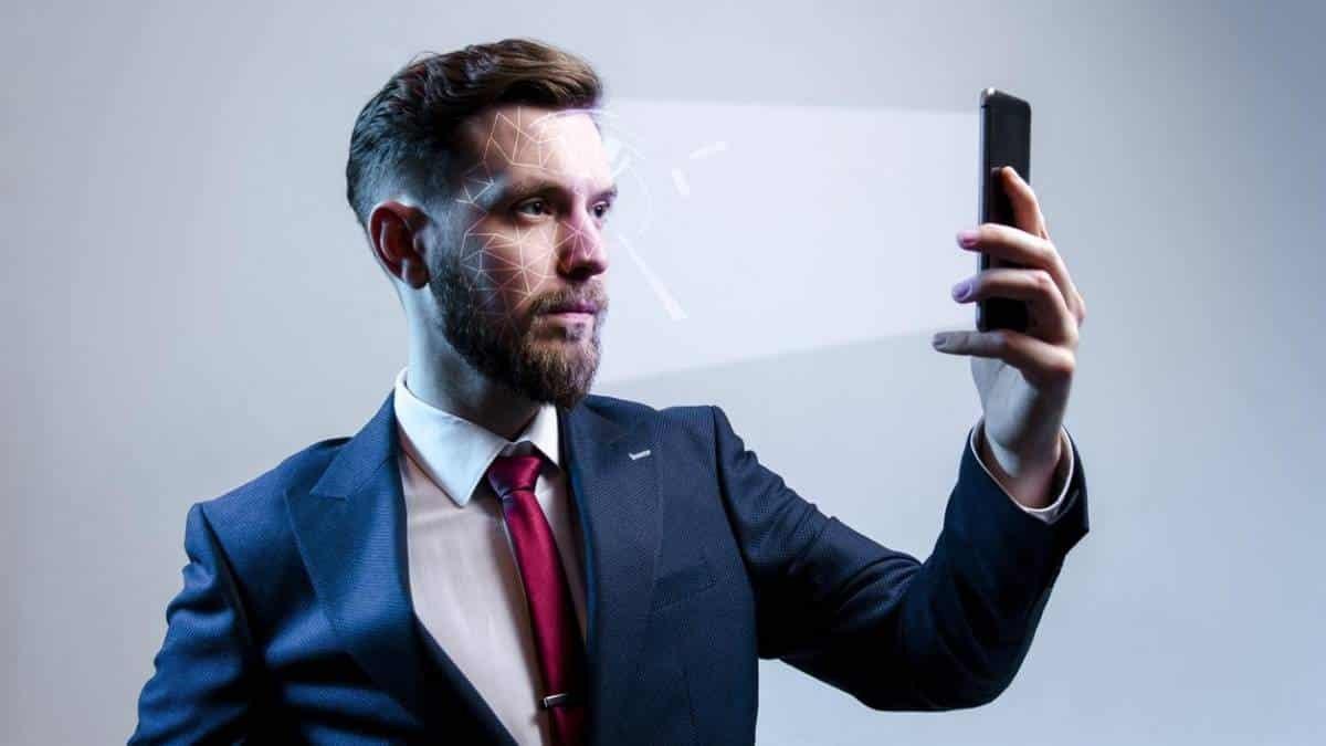 Empresa brasileira cria sistema de reconhecimento facial para WhatsApp