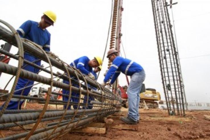 Mais de 50% das obras públicas em Mato Grosso estão atrasadas, diz estudo