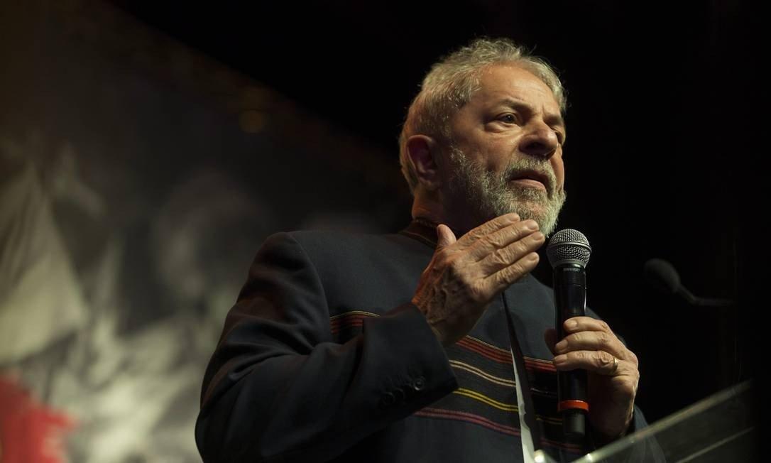 SBT entra na justiça para obter o direito de entrevistar Lula na prisão