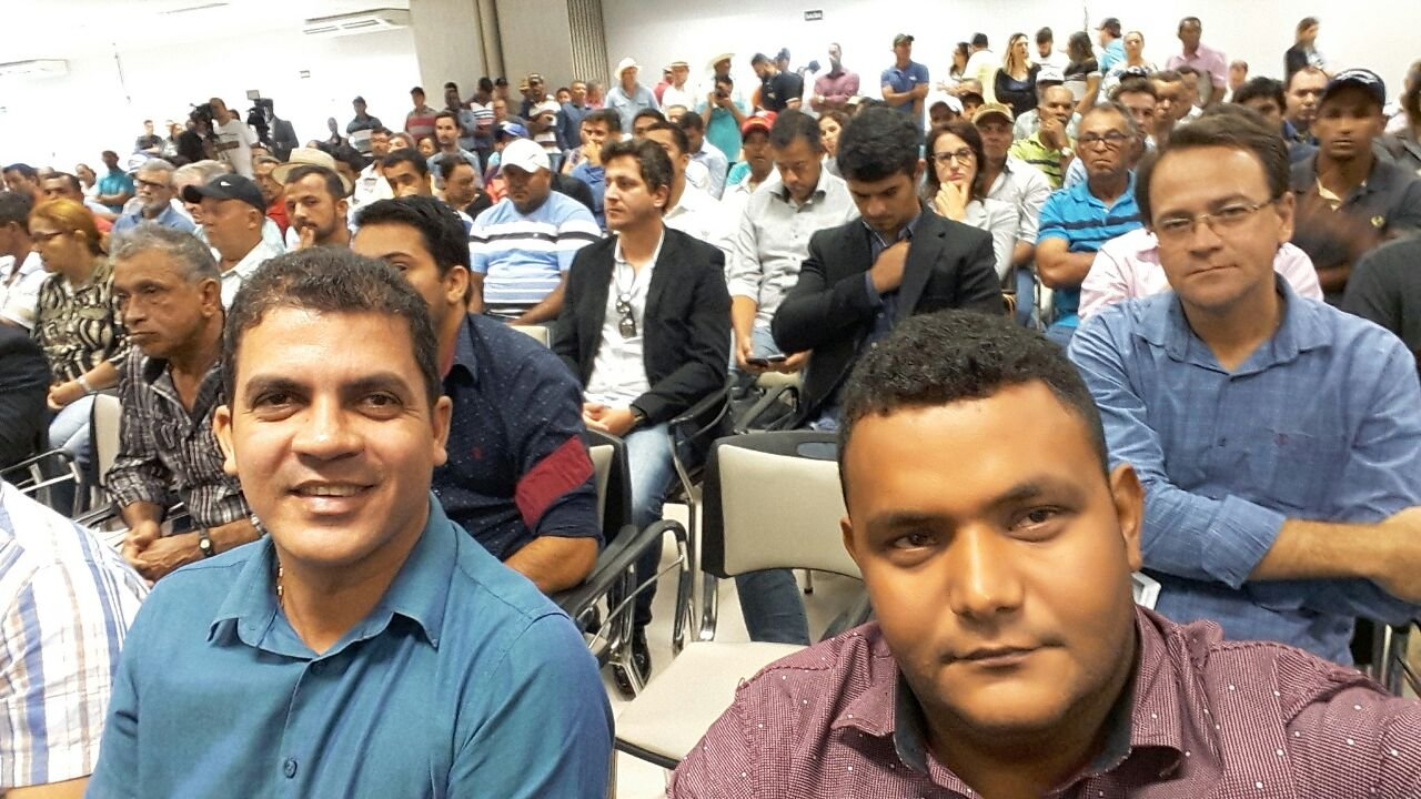 Vereadores de Colniza participam da audiência pública realizada em Juína