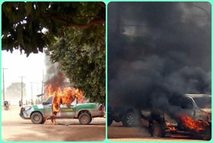 População do distrito do Guariba em Colniza se revolta e queima veículo do IBAMA
