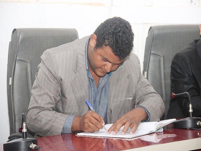 Vereador Oseia solicita a aquisição de uma incubadora para o Hospital Municipal André Antônio Maggi em Colniza-MT