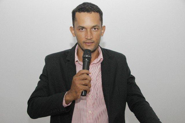 Vereador Luis Carlos solicita que seja instalado iluminação pública no restante da Vila do Três Fronteiras