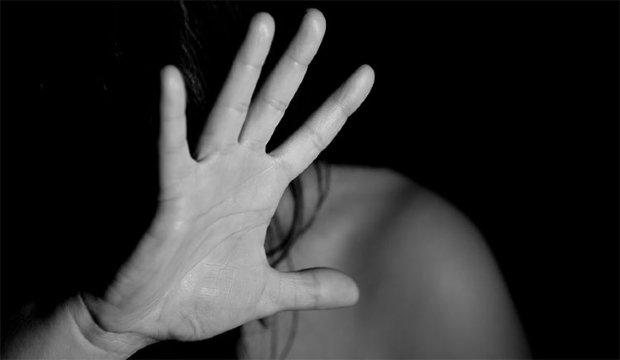 Pai é preso por estuprar filha por seis anos; vítima teve dois filhos