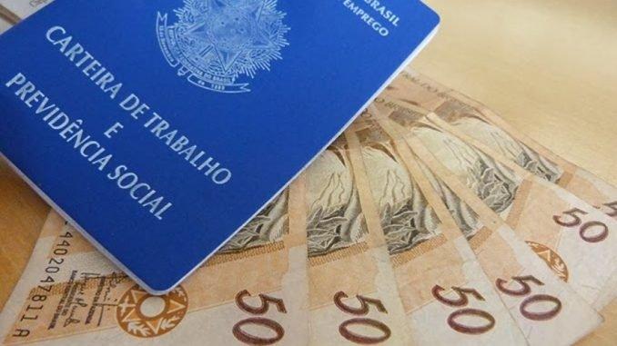 Salário mínimo sobe para R$ 998; valor fica abaixo do aprovado pelo Congresso