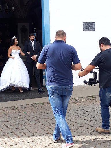 Cantor colnizense Adrian Ferraz grava clipe em Goiânia com superprodução