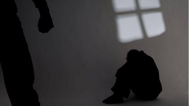 No Rio, 11 mulheres são estupradas por dia; 68% dentro de casa