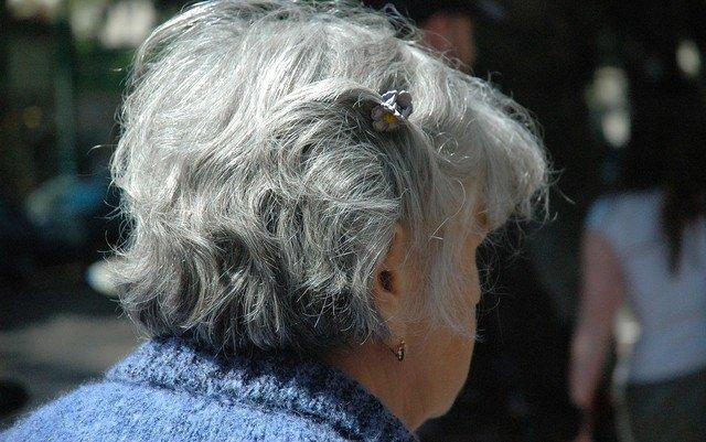 Número de pessoas com demência deve triplicar nos próximos 30 anos, diz OMS