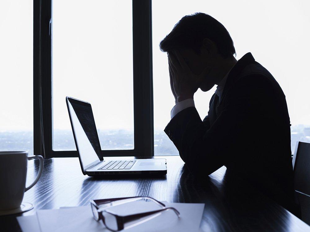 Trabalhar demais aumenta o risco de AVC