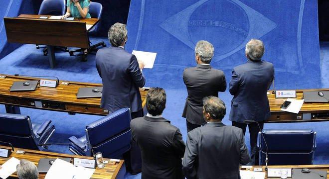 70% dos brasileiros são contra suplentes no Senado