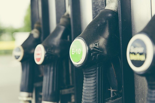 Diesel vai subir 15,2% e gasolina terá alta de 10,2% a partir de sexta-feira