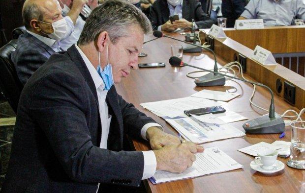 Governador assina empréstimo de R$ 550 milhões e viabiliza construção de 5 mil pontes em MT
