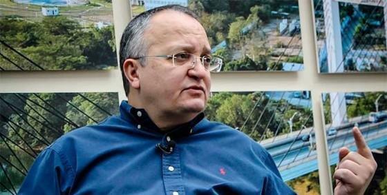 Ex-governador entra na disputa por vaga no Senado em MT