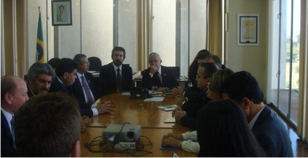 Prefeito Assis Raupp se Reúne com Diretor Geral do Dnit e Autoridades Políticas