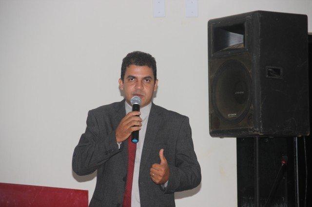 Em Colniza: Vereador Marquinho pede patrolamento e cascalhamento de ruas e estradas vicinais