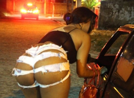 Sinop: Prostituta denúncia cliente por 'calote' com cheque sem fundo