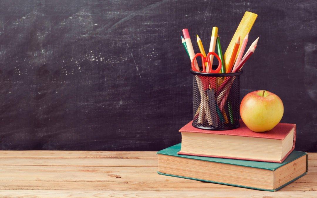 Relator fixa idade mínima de aposentadoria de professoras em 57 anos