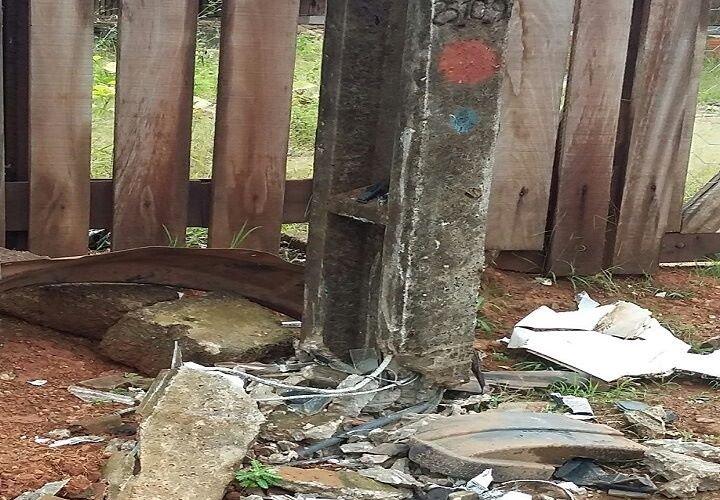 Aripuanã: Motorista perde controle, bate em poste e foge do local do acidente