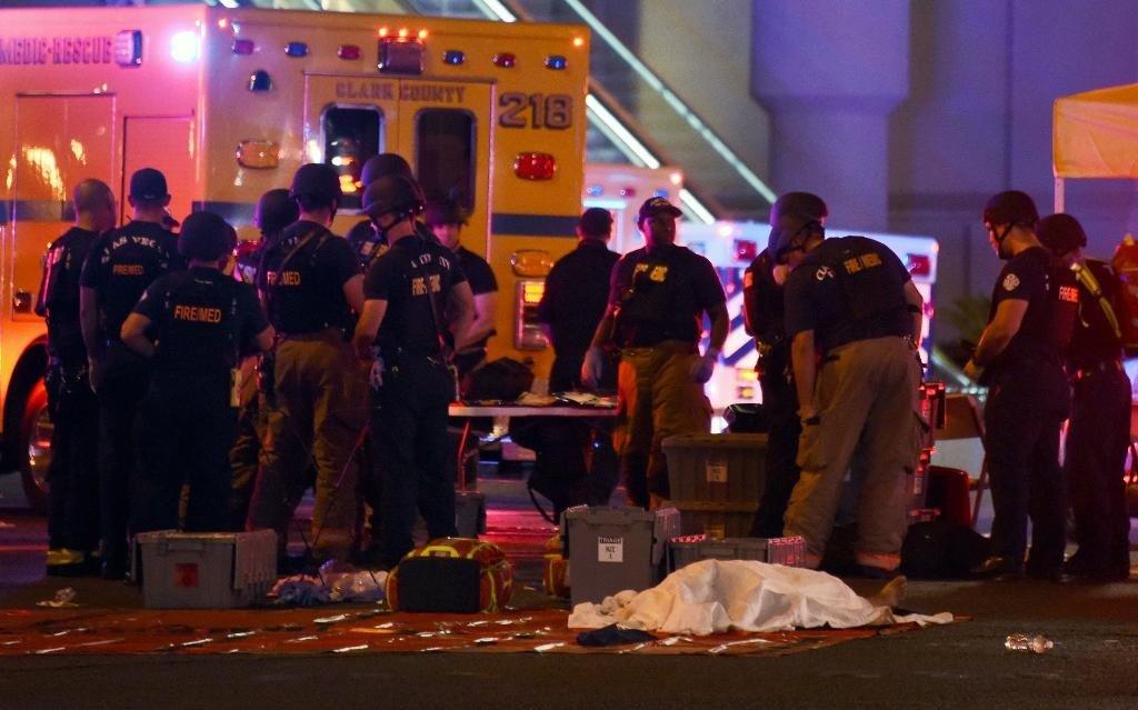 Maior ataque a tiros da história dos EUA mata 58 e deixa mais de 500 feridos em Las Vegas