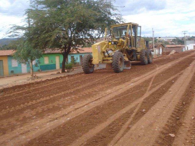 Governo dá ordem de serviço e 9 regiões do estado serão contempladas com obras