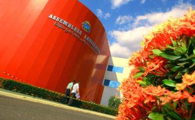 MPE investiga troca de 4 mil lâmpadas na AL de MT e pede documentos