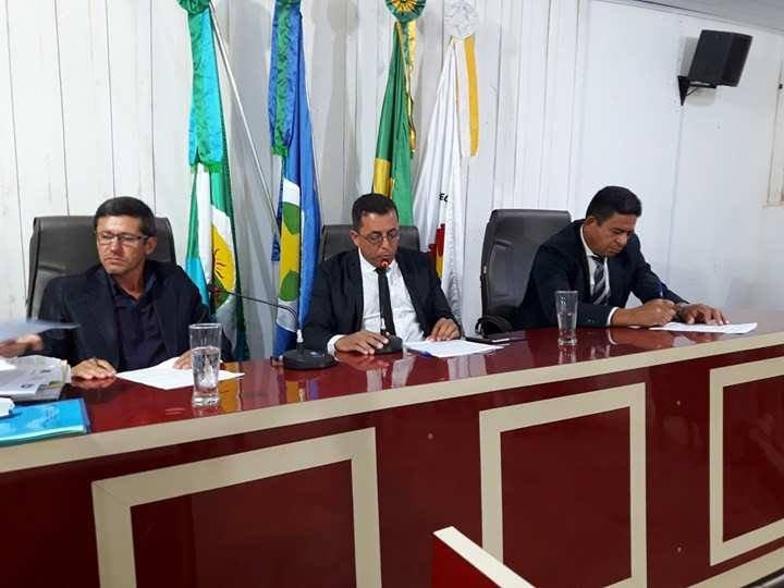 Projeto que dispõe sobre o Código de Ética e Decoro Parlamentar na Câmara de Colniza é aprovado por unanimidade