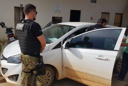 Polícia Civil apreende carro usado em fuga de assassinos de prefeito em Colniza