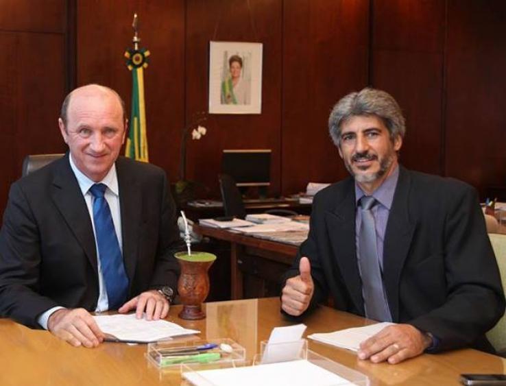 Prefeito Assis Raupp Visita Ministro da Agricultura Neri Geller
